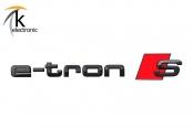 AUDI e-tron S GE Schriftzug schwarz rote Raute hinten